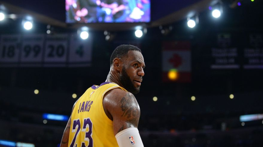 Legenda NBA LeBron James v drese Los Angeles Lakers