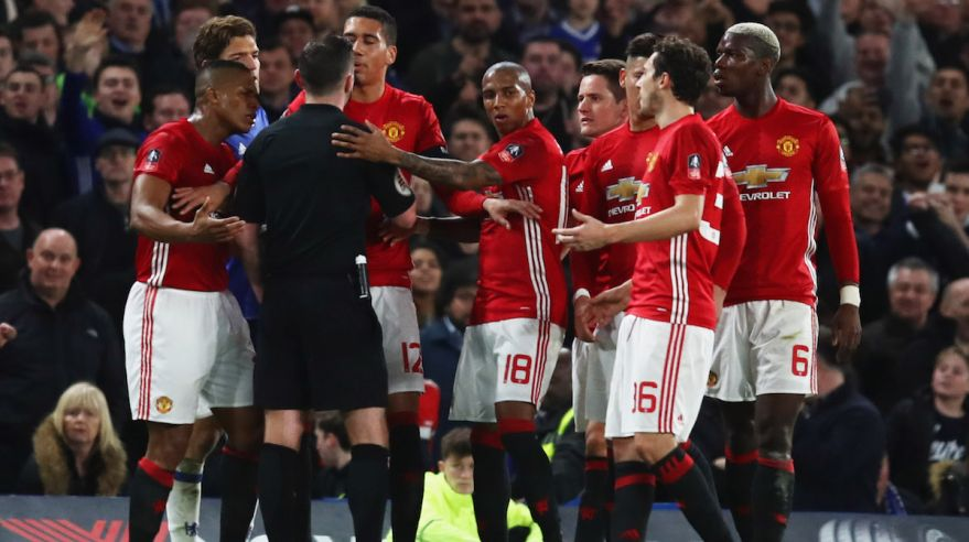 Manchester United, Ander Herrera, rozhodca, Michael Oliver, FA Cup, protest, mar17, gettyimages