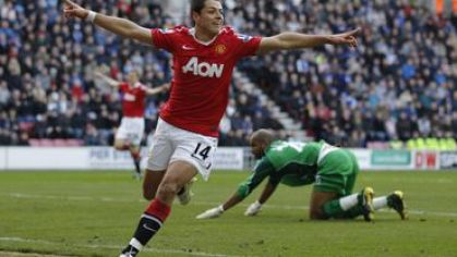 Chicharito manchester united goool vs wigan feb2011