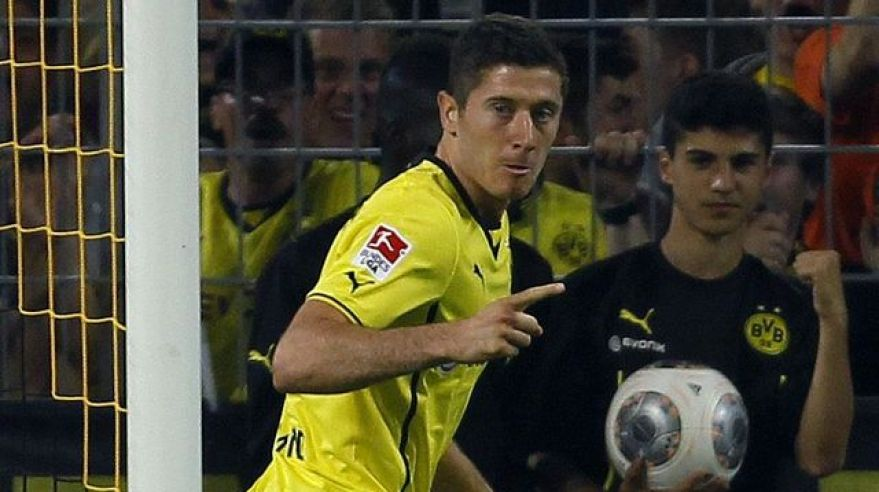 Robert lewandowski dortmund goool vs bremy aug2013 reuters