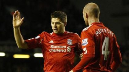 Gerrard a meireles liverpool tukes jan2011