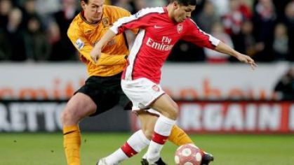 Arsenal denilson hull city hesselink marec 2010