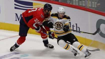 Zdeno Chára (Washington Capitals) v úvdonom zápase play-off proti Bostonu Bruins