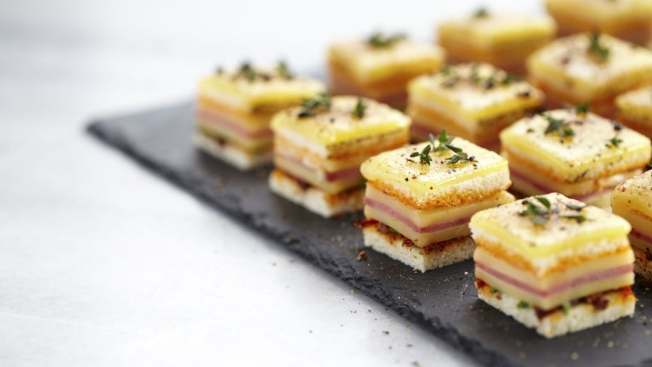 Canepes with cheese and salami
