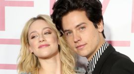Herci Lili Reinhart a Cole Sprouse