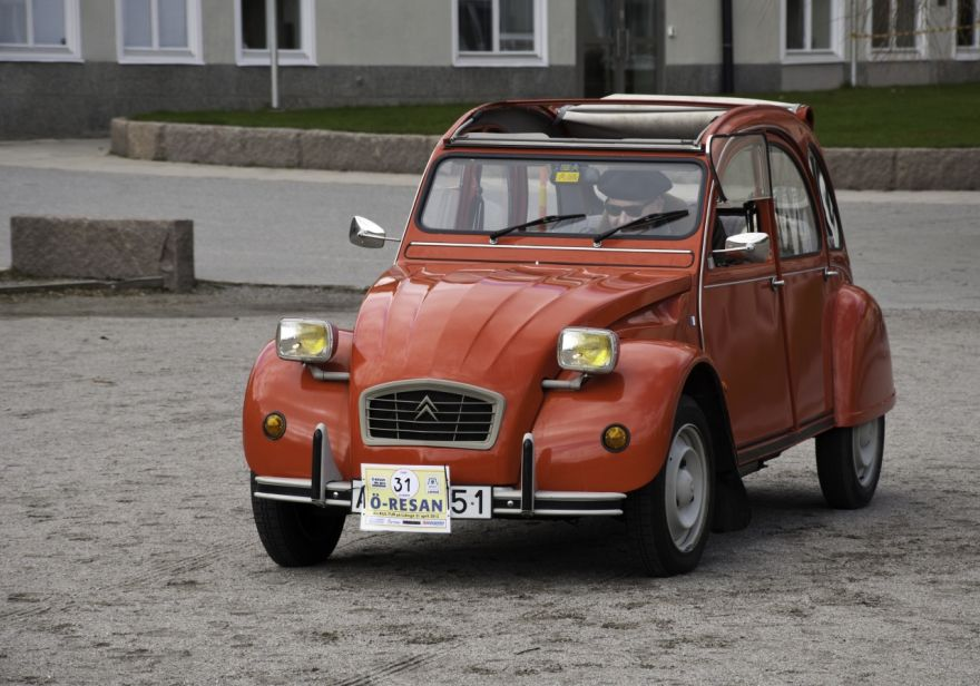 Citroen 2CV6 Club z roku 1987