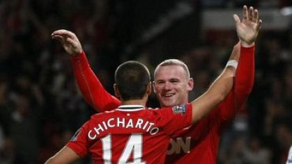 Rooney chicharito manutd