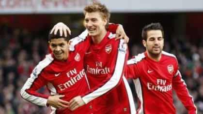 Bendtner denilson fabregas arsenal vs whu