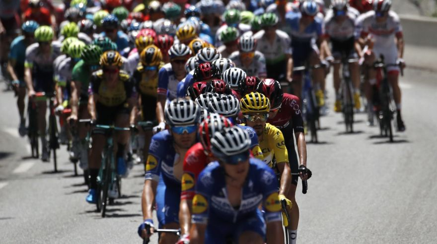 Pelotón na Tour de France 2019.