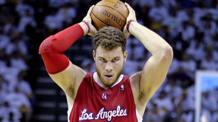 Blake griffin clippers lopta nad hlavou