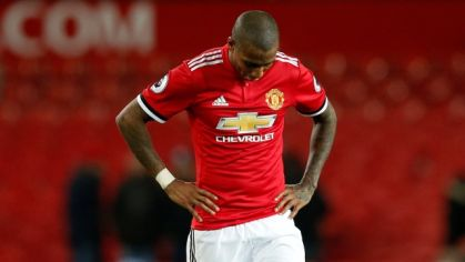 Krajný obranca Manchestru United Ashley Young