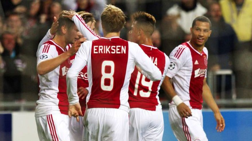 Ajax hraci radost vs man city okt2012 reuters