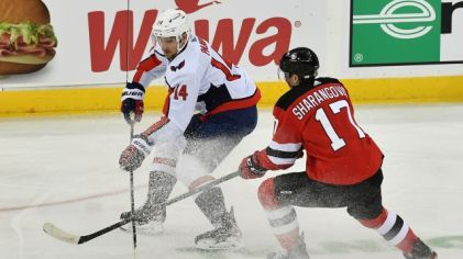 Richard Pánik v zápase New Jersey Devils – Washington Capitals