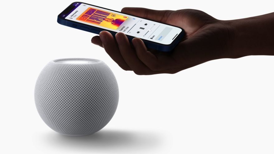 HomePod mini od Apple.