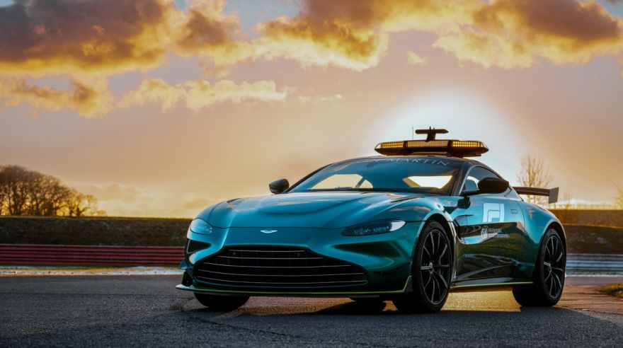 safety car Aston Martin