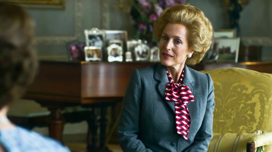 Gillian Anderson ako Margaret Thatcher v seriáli The Crown - Koruna