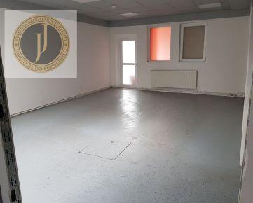 JJ Reality - Rozsiahle priestory 206 m2 vhodné na prevádzku Coburgova / TRNAVA/