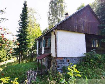 Chalupa na konci dediny v Kremnických vrchoch