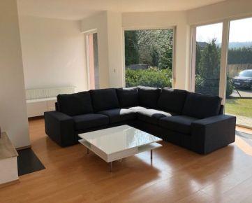 Ponúkame do prenájmu moderný 5 izbový rodinný dom s dvojgarážou - Záhorská Bystrica, Strmý vŕšok.