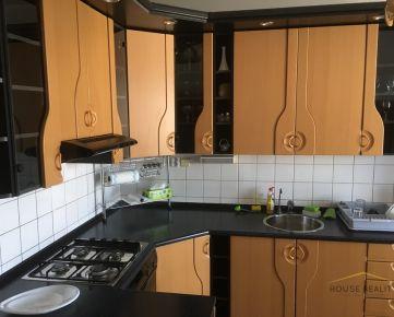 Prenájom 3 izbový byt s krásnym výhľadom a klimatizáciou, ulica Na Barine, Bratislava IV. Lamač