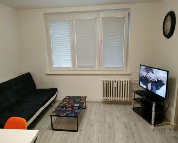 Prenájom 2,5 izbový byt s balkónom a lodžiou, Komárnická ulica, Bratislava II. Ružinov