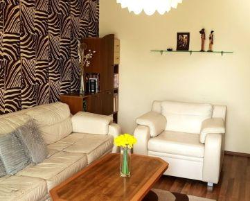 REZERVOVANÝ ! Na predaj:  3-izbový zrekonštruovaný byt v B.Bystrici, časť Radvaň