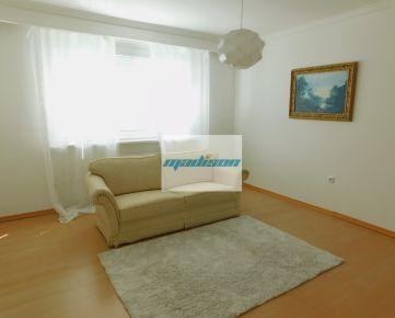 Zrekonštruovaný nadštandardný byt vo výbornej časti Petržalky, blízko centra, samostatné izby, lodžia,volajte 0917 346296
