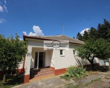 Banka pri Piešťanoch – 3 izbový rod.dom mimo hlavného ťahu obcou - REZERVOVANÉ