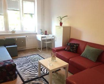 Dám do prenájmu samostatnú izbu v 3-izbovom byte v Krasňanoch.