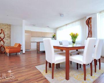 HORSKÁ, 4-i byt v kvalitnej novostavbe, 177 m2 – 2x LOGGIA, výhľad