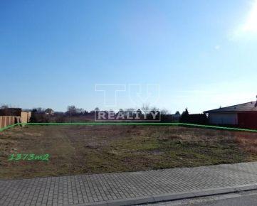 STAVEBNÝ POZEMOK, 1 373 m2, Piešťany. CENA: 280 000,00 EUR