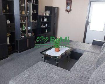 Predaj veľký 3 izbový byt s balkónom, Klokočina - Nitra (011-113-ERFa)