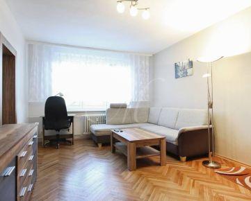 Priestranný 2i byt na prenájom v Bratislave, výťah, zariadený