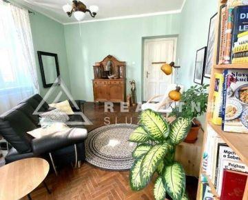 3 izbový byt ( 95 m2 ) v priamom centre mesta