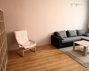 Prenájom pekný 2 izbový byt, Lachova ulica, Bratislava V Petržalka