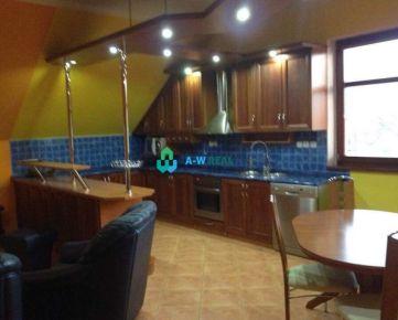 Lákavá ponuka!!! Pekný, zariadený veľkometrážny 3-izbový byt na predaj vo Veľkom Mederi - CENTRUM + garáž pre 3 autá!!! Cena 105 000 €