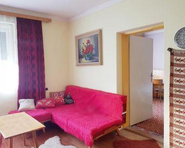 Predám slnečný rodinný dom v Hronskom Beňadiku s peknou záhradou