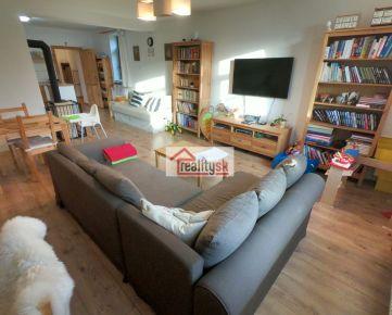 Predám prerobený 4 izbovy rodinný dom pod Tatrami vhodný na bývanie alebo rekreáciu.