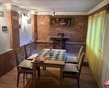 Direct Real - Celoročne obývateľná chata v krásnom prostredí Malých Karpát