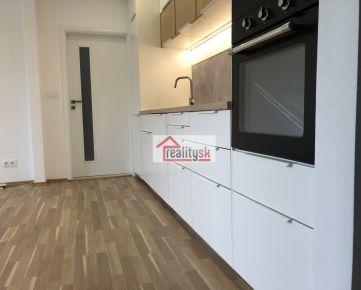 Kompletne zrekonštruovaný 2,5-izbový byt na Nivách