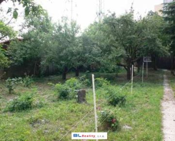 ZÁHRADA + chatka: pozemok 1 270 m2, Na vrátkach ul., Dúbravka, BA IV., 124.-€/m2  (184 150.-€)