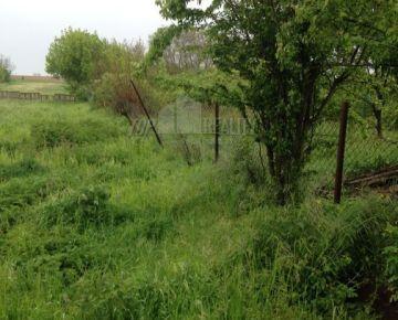 Rišňovce, okres Nitra – veľký pozemok so starým rod. domom