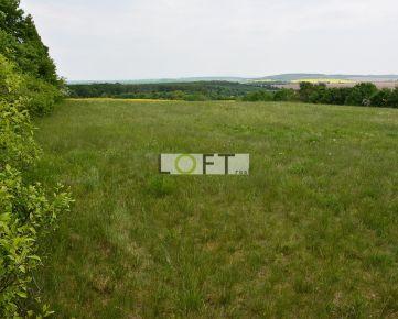 Predám pozemok blízko Smoleníc s úplným súkromím (56 a)