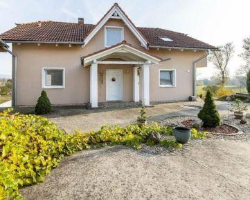 *EXKLUZÍVNE* Rodinná vila s jazierkom a veľkým pozemkom, Prešov - Kúty