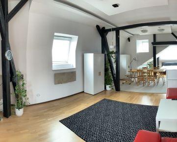 Štýlový podkrovný byt v historickom dome v tichej lokalite centre Bratislavy I, v blízkosti Palisád na predaj