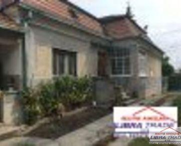 Rodinný dom na predaj v obci  Dvory nad Žitavou .