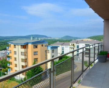 NA PRENÁJOM – VEĽKÝ (120 m2) moderný,  3 izbový byt v novostavbe NA ZAČIATKU KARLOVEJ VSI s krásnym výhľadom na Rakúsko