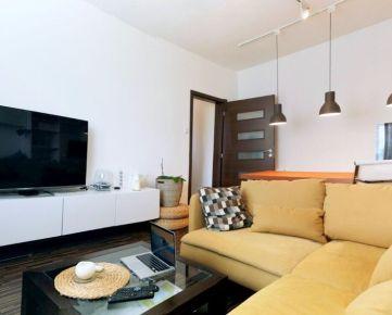 Pekný 2 byt, rekonštrukcia, tichá časť, ulica A.Gwerkova, Petržalka
