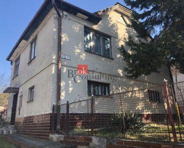 EXKLUZÍVNE: Rodinný dom + dva stavebné pozemky v intraviláne obce Rozhanovce na predaj