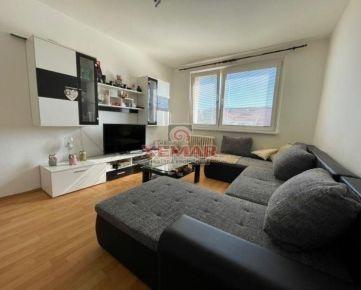 Slnečný 2-izb. byt na ul. Hronská ( MČ Pod. Biskupice )